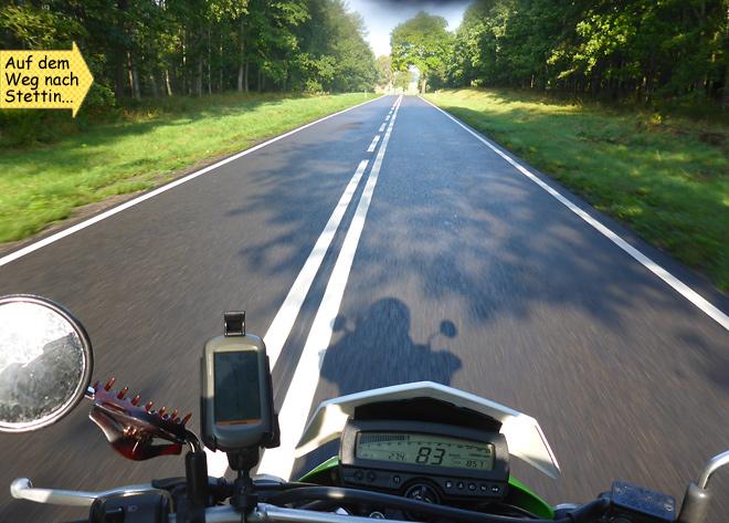 Motorrad Enduro Landstraße