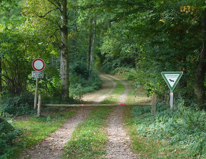 Verbotsschilder Waldwege