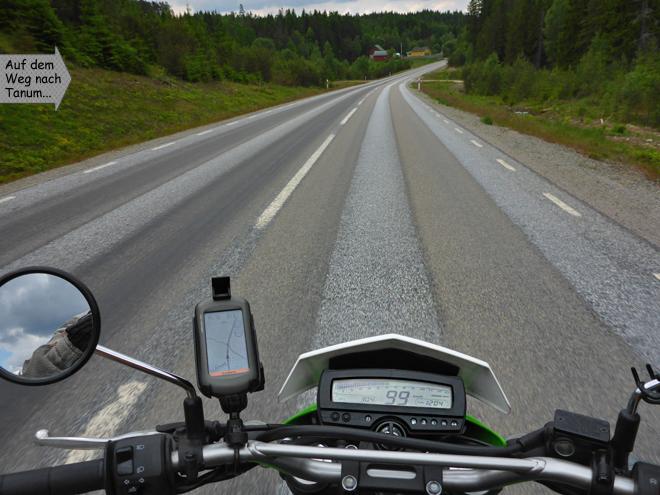 Motorradfahren Landstraße Fahrerperspektive