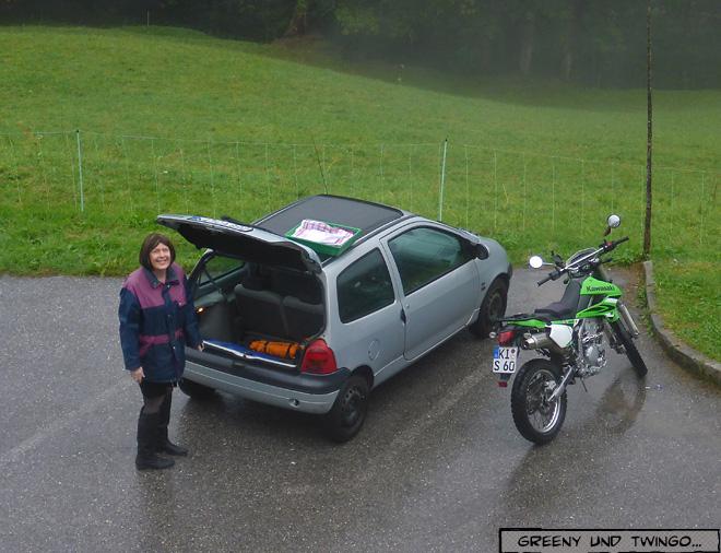 Auto und Motorrad und Claudia
