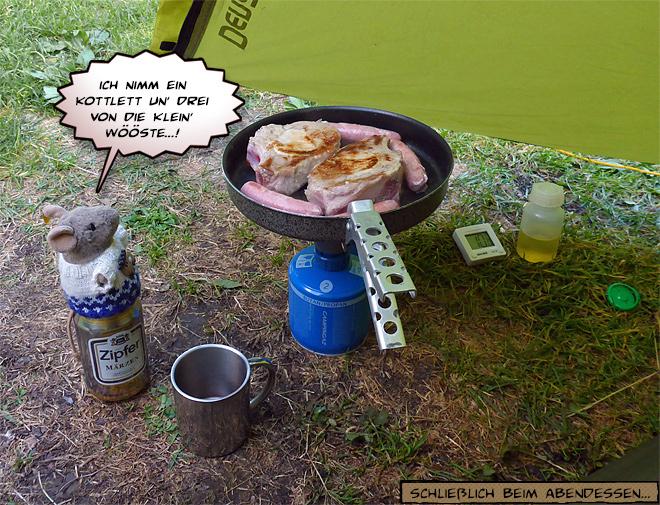 Bratwurst und Kotelett im Zelt braten
