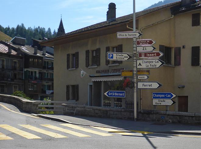 Straßenschilder in Frankreich