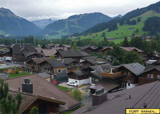 Dorf Saanen in der Schweiz