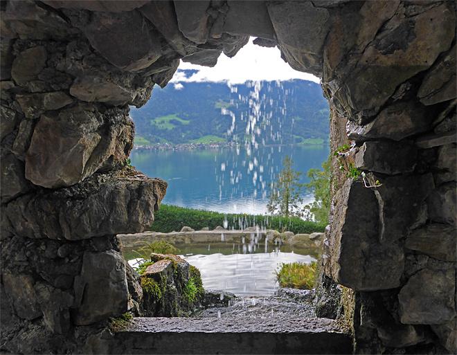 Wasserfall Beatushöhle am Thunersee