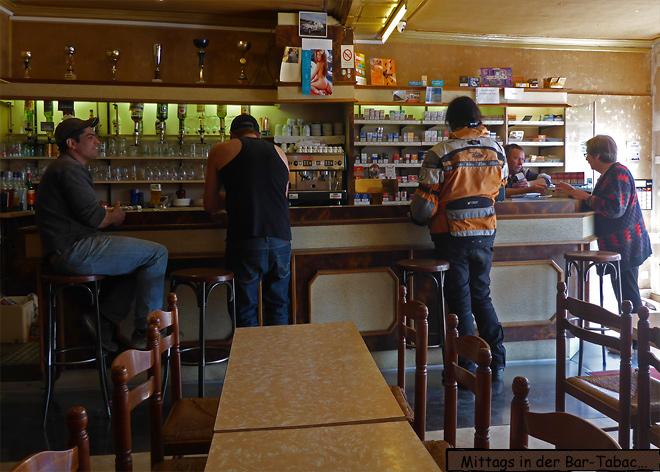 Bar Tabac Tresen Innenansicht