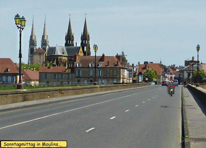 Moulins Frankreich Brücke Motorrad