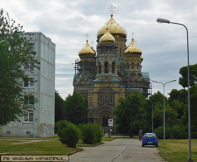 Orthodoxe Kirche vor Plattenbau