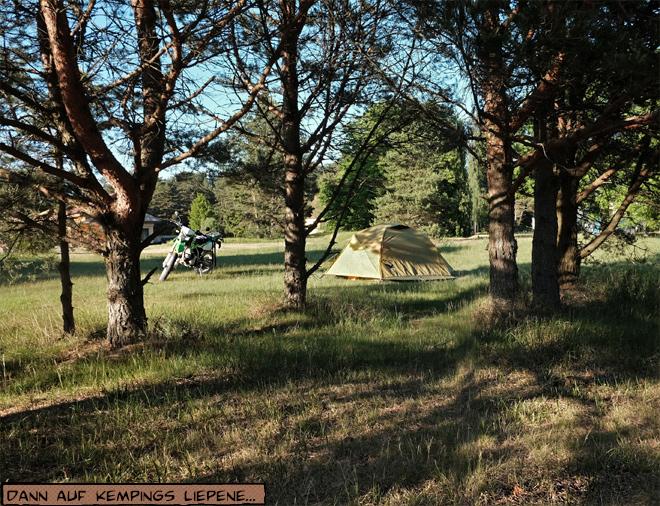 Camping Liepene Lettland Zelt und Motorrad