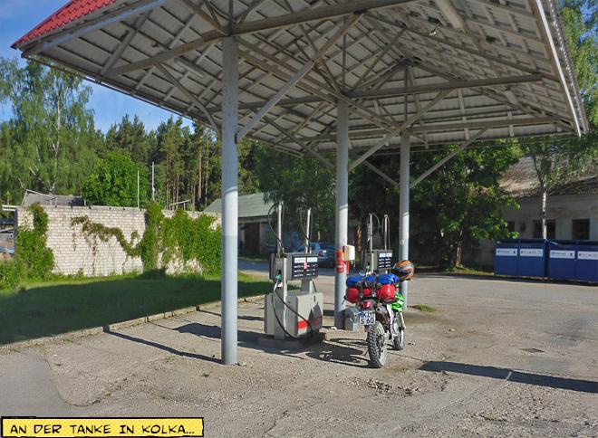 einfache Tankstelle in Kolka, Lettland