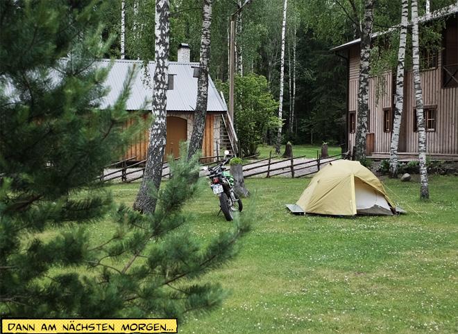 Zelt und Motorrad