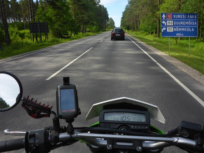 Saaremaa Straße nach Kuressaare