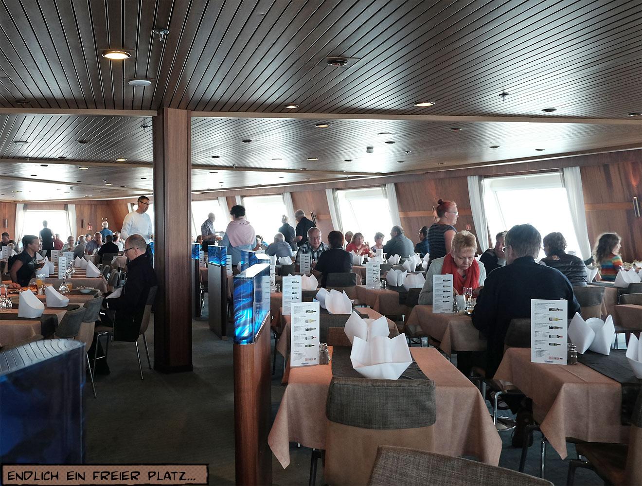 Speisesaal auf einem Schiff