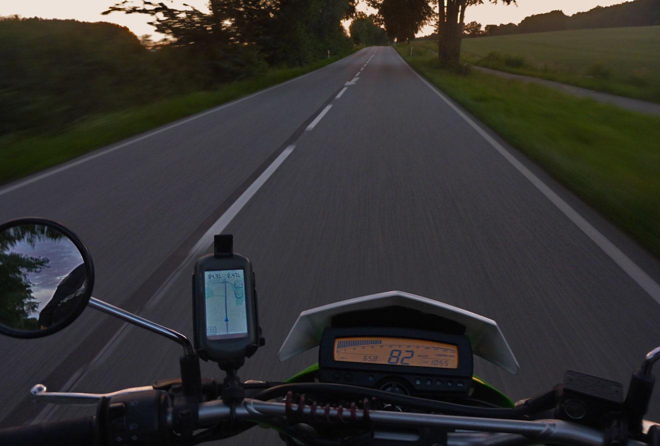 Motorradfahren Landstraße