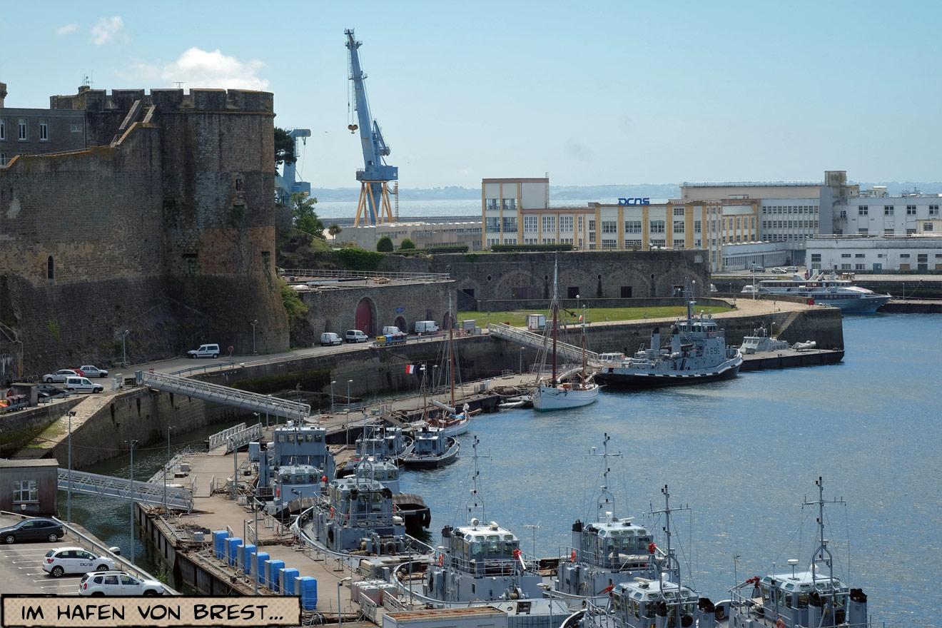 Schlepper im Hafen von Brest