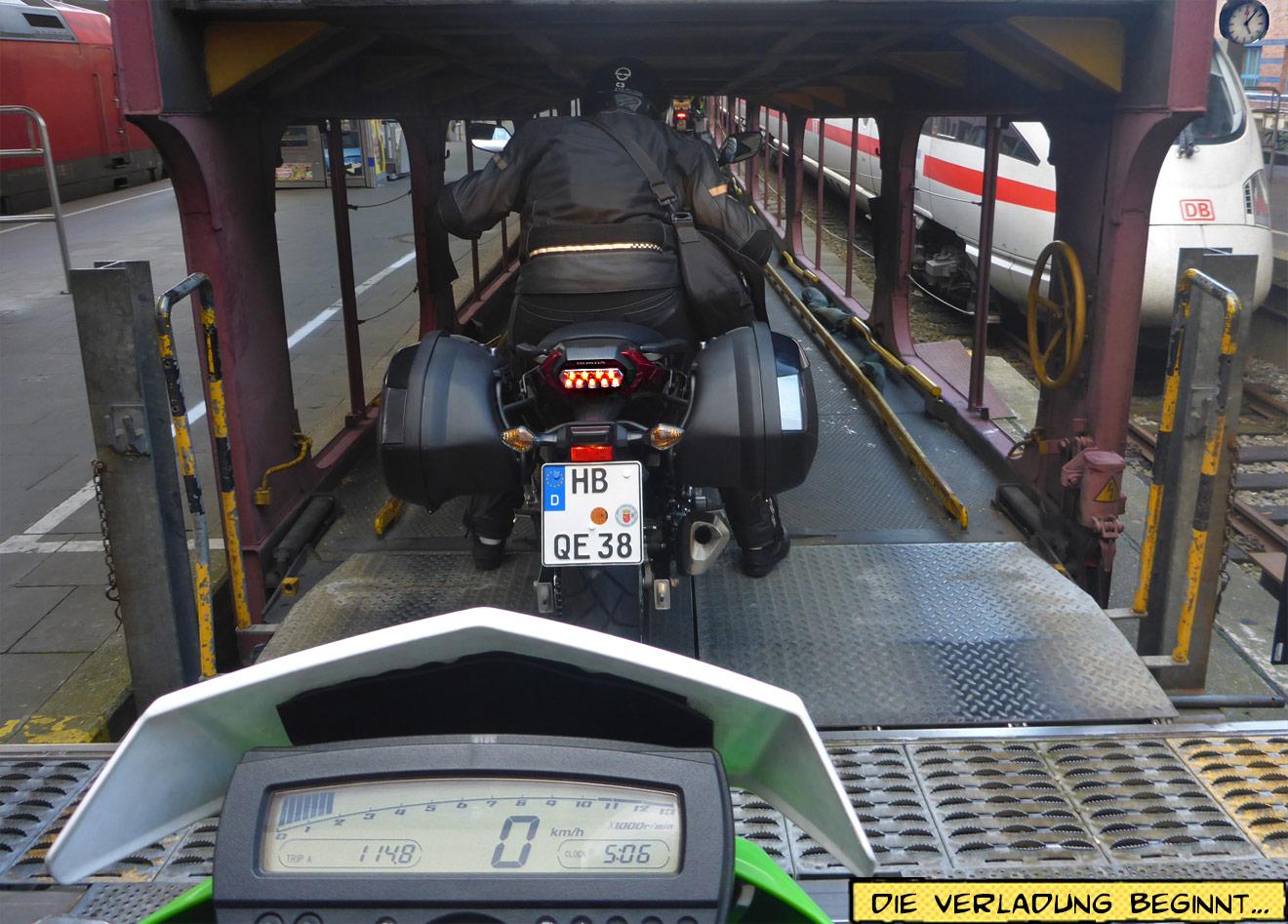 Motorrad Autozug Hamburg Altona Verladung