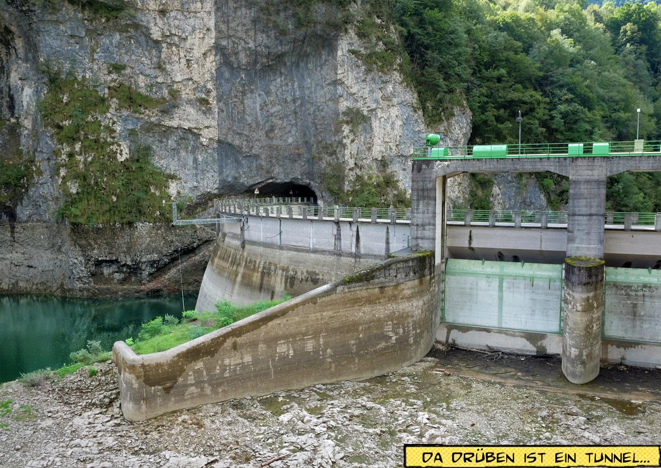 Lago Corlo Italien Staumauer am Kraftwerk