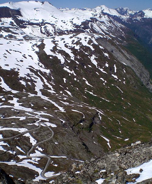 Der Nibbevei zum Dalsnibba hinauf