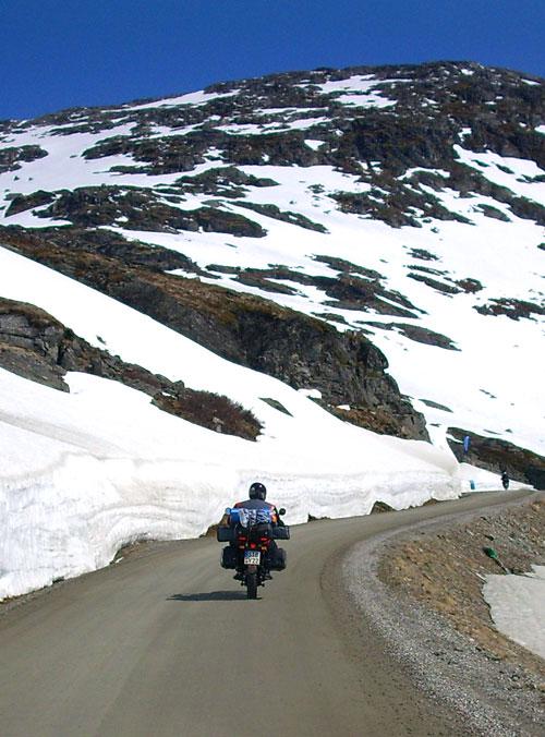 Markus auf seiner KTM auf der Piste zum Dalsnibba