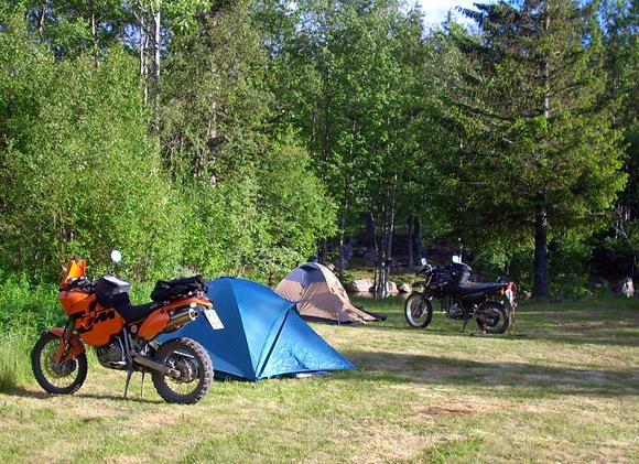 Campingplatz direkt am Fluss