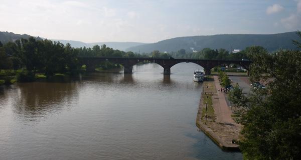 Brücke über den Main