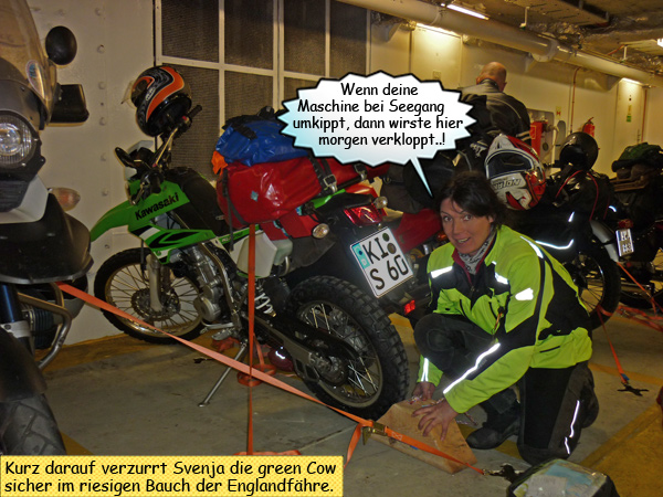Motorrad auf der Fähre verzurren