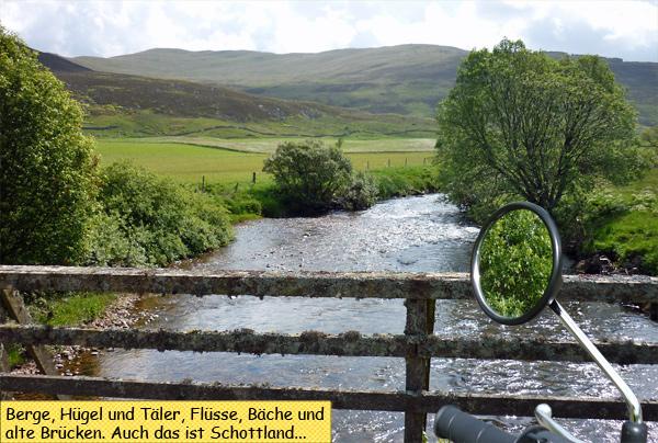 Tal mit Fluss in Schottland