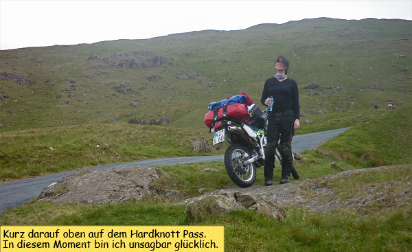 Mit dem Motorrad auf dem Hardknott Pass