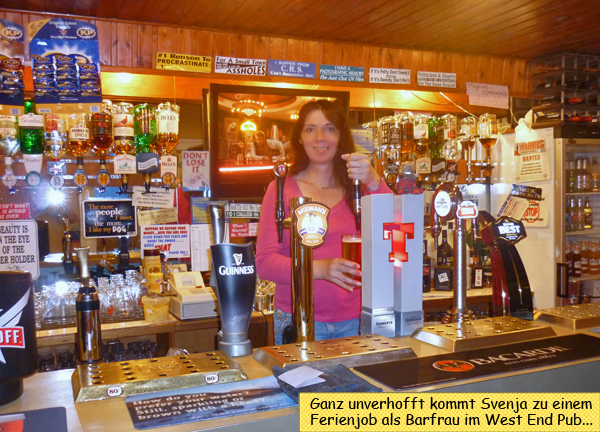 Svenja als Barfrau im Pub
