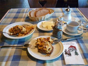 Bikerfrühstück im Speckhüsli im Schwarzwald
