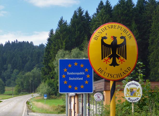 Grenze Schild Österreich Bayern Deutschland