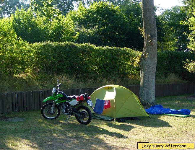 Zelt und Motorrad Schlafsack Isomatte