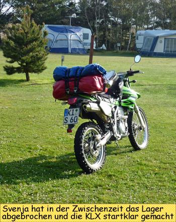 KLX250 mit Gepäck und Zelt