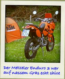 Metzeler Enduro 3 auf nassem Gras