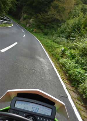 Kurven fahren im HunsrŸck