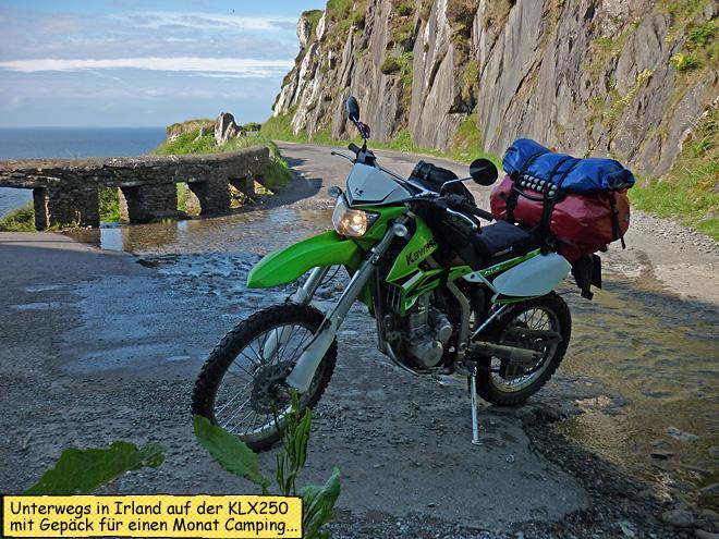 Motorrad mit Gepäck