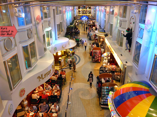 Color Fantasy Einkaufstraße Shopping Mall