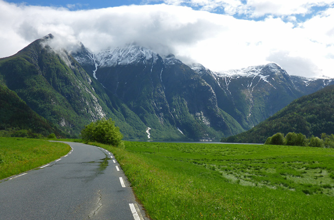 Berge Norwegen Anfahrt Aursjøvegen