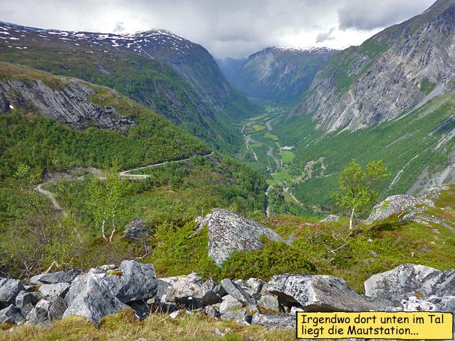 Blick über den Aursjøvegen Endurowandern