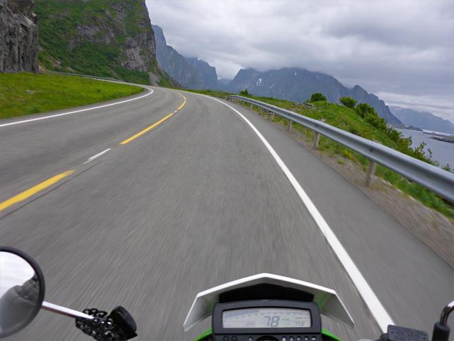 Motorradfahren auf den Lofoten