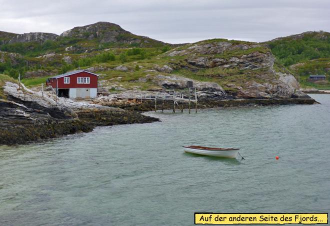 Norwegen Boot und Hütte am Fjord