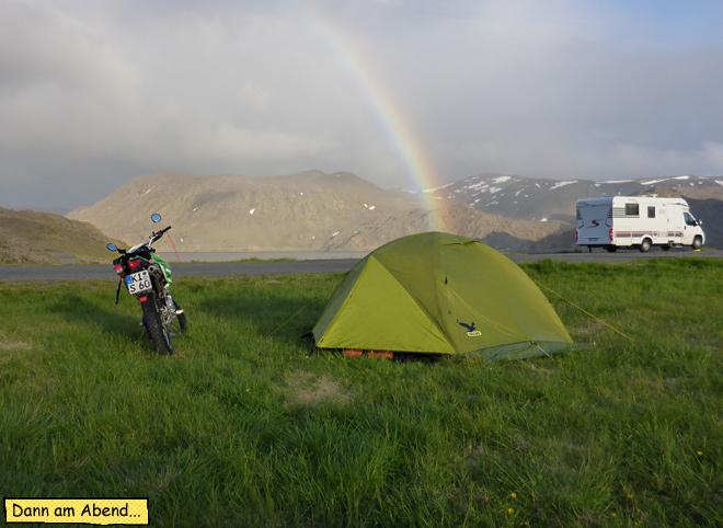 Zelt und Motorrad am Nordkap Camping