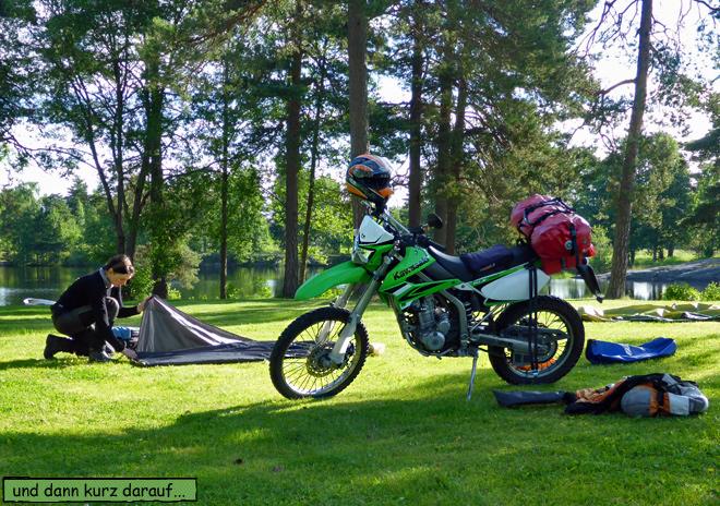 Zelt abbauen Motorrad