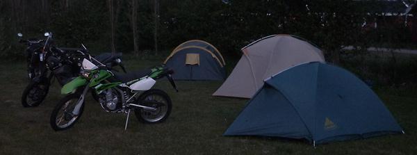 Campingplatz bei Nacht
