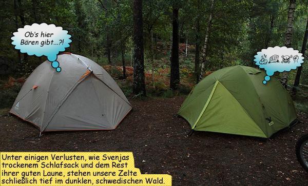 Zelten im Regen im Wald