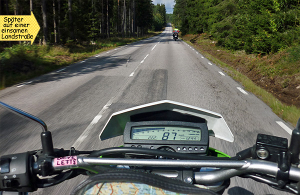 Einsame Landstraße in Schweden Motorrad