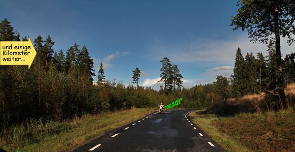Motorradfahren Landstrasse in Schweden