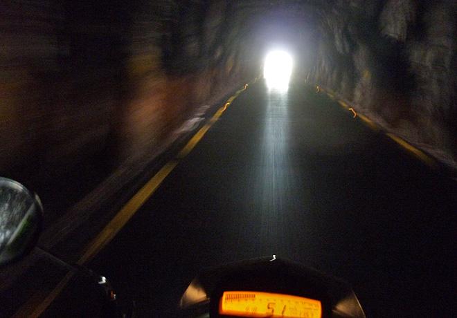 Motorrad Tunnel