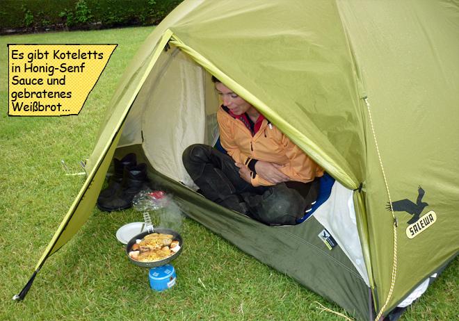 Gaskocher im Zelt braten kochen