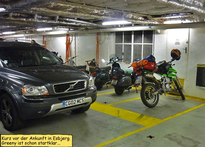 Motorrad unter Deck